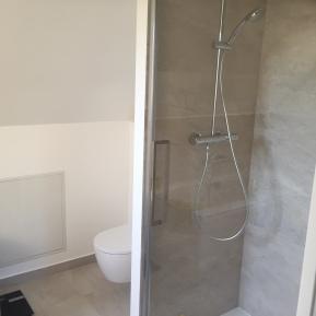 Douche et WC Feucherolles